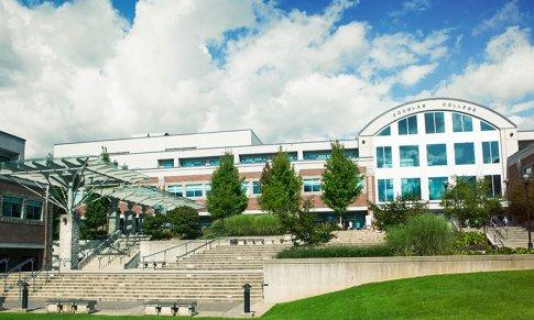 Du học Douglas College – Canada